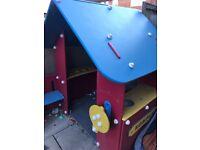 Kompan playhouse mud kitchen