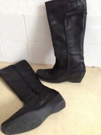 Ladies size 6 knee length boots