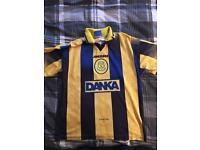 Original Everton away shirt 1996; excellent condition; M