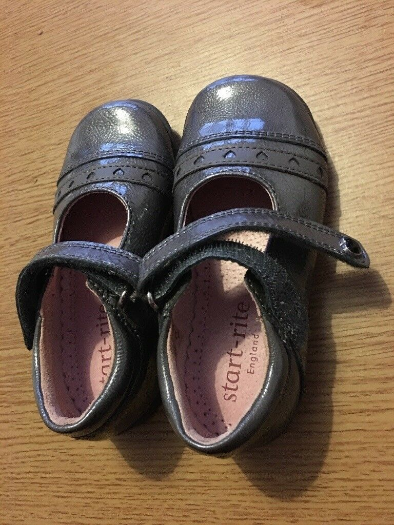 NEW Star-rite grey shoes size 6 1/2 F