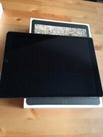 Ipad Pro 12,9 256GB WiFi with keyboard and USB lighting