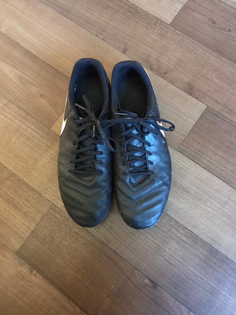 Nike tiempo football boots men's 10.5