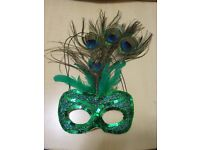 GREEN MASQUERADE BALL CARNIVAL MASK WITH PEACOCK FEATHERS - SEE INFO!