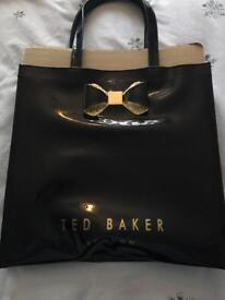 Variety of bags (ted baker - fiorelli - Religion - osprey)