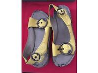 Ladies Fly Sandals