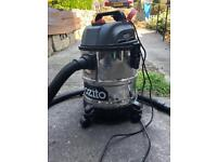 Ozito wet/dry canister vacuum