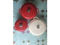Lines cast iron cookware