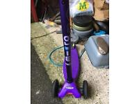 Maxi m-cro scooter purple barely used