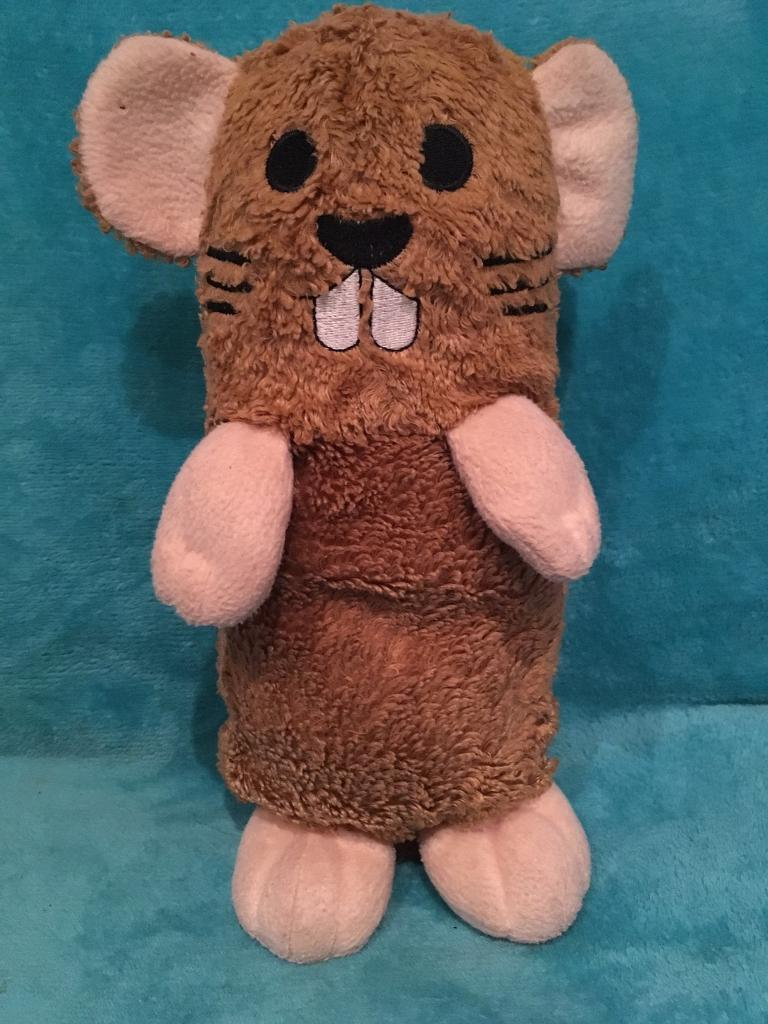 Cute hamster hot water bottle/bean warmerin Brighton, East SussexGumtree - Cute hamster hot bean warmer. He comes with a pouch that fits in his back that is microwavable and stays warm. Very cute and soft, very good condition