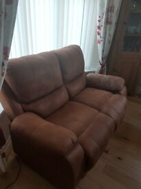**Two seater sofa**- **1 armchair** - **1 footstool** / **Free cleaning kit**