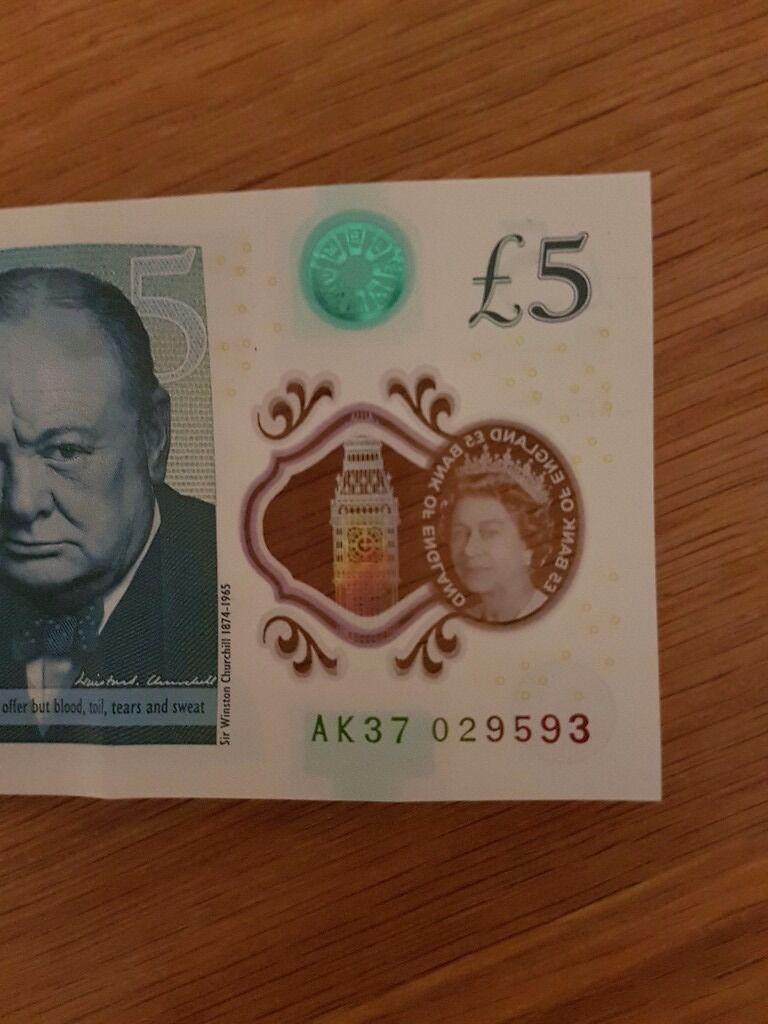 New 5 pound notes AK37 029593