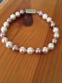 Pale Pink & White Pearl Bracelet