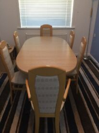 Extendable dining room table with 6 chairs, display unit and TV unit
