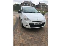 Limited Edition White Renault Clio Pzaz, Petrol, 5 doors