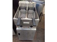 RESTAURANT TAKEAWAY VALENTINE FRYER TWIN TANK ELECTRIC CHIPS FRYER USED COMMERCIAL FREE STANDING PUB