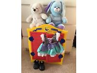Build a bear wardrobe hanger 2 teddies 3 outfits pair of boots