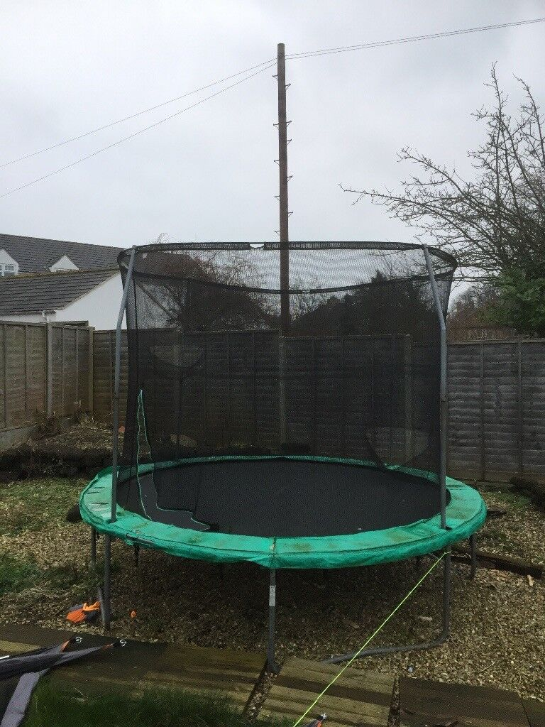 Trampoline 3x3m, in good working order, requires new safety net, ready for summer