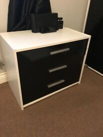 2 beside tables, 2 single wardrobes,set of drawers