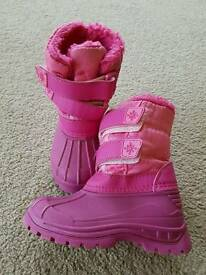 Girls snow boots size 8