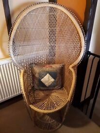 Large Retro Peacock Wicker Chair - EXCELLENT CONDITION