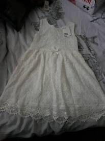 BNWT cream lace girls dress age 4-6