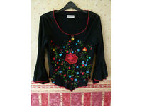 Beautiful short embroidered top / size 12