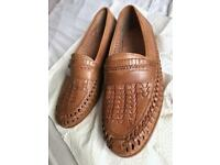 Men's leather loafers - size 9