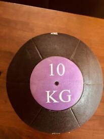 10 kg medicine ball/kettle ball