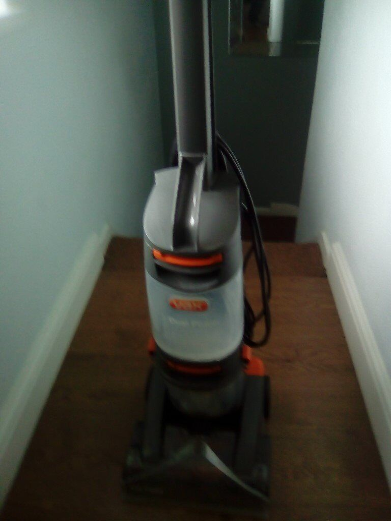 Vax Dual Power Carpet Cleaner In Welwyn Hertfordshire