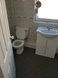 Bathroom Vanity Unit & Close Coupled Toilet
