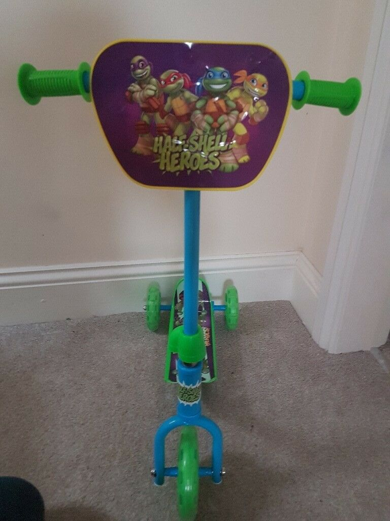 Teenage Mutant Tuttles (TMMT) kids scooter