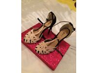 Brand new womans shoes size 4