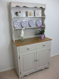 COUNTRY COTTAGE OAK SHABBY CHIC DRESSER