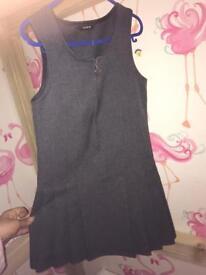 Girls grey school dress age 4-5