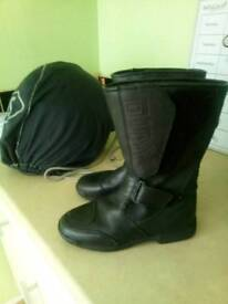 Akito Real Leather Motorbike Boots size 3