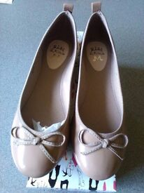 Kurt Geiger Pumps Size 6 New in original box