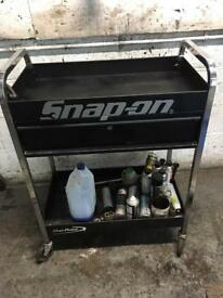 Snap on blue point tool trolly with draw