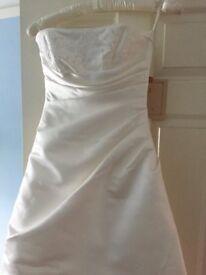 Ginnis wedding dress american size 4 (uk size 6) never worn, with bolero jacket and wrap