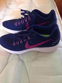 Women's Nike trainers size 5