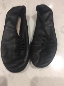 Black dancing shoes size 8 1/2