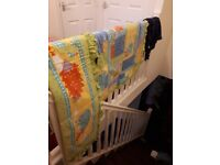 Mamas and papas Lovely animal cot quilt and cot bumper