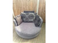 DFS Swivel Chair in excellent condition