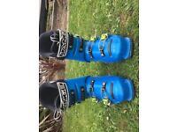 Lange RSJ 60 Junior ski boots