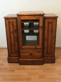 Ducal wooden unit for stereo