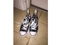 Converse high tops size 4.5