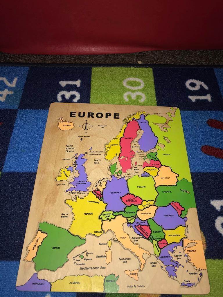 Large wooden Europe jigsaw