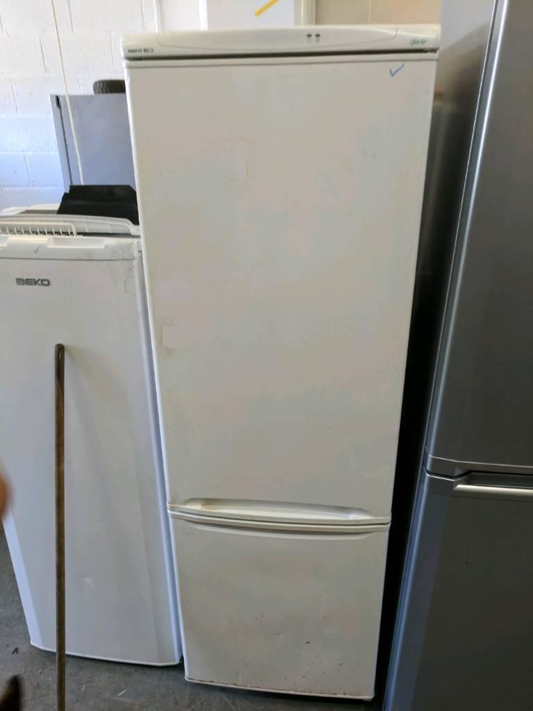 Samsung cool n cool Fridge Freezer white