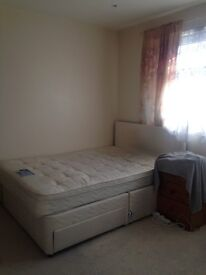 LARGE DOUBLE ROOM TO RENT IN WALTHAM CROSS ALL BILLS INCLUDED