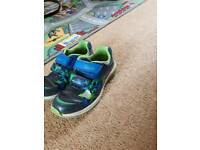 Boys Clarks flashing jet trainers size 9f