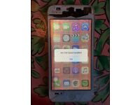 iPhone 5 16GB silver, fully functioning w/ cracked screen!